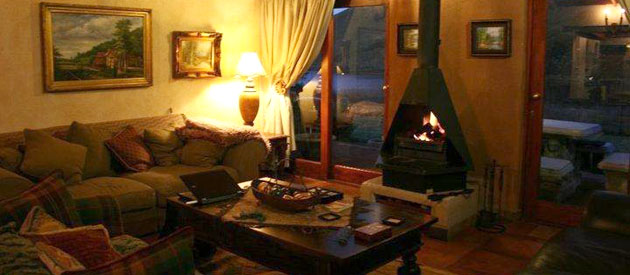 fox and squirrel, self catering accommodation, farm cottage, romantic accommodation, dullstroom, mpumalanga